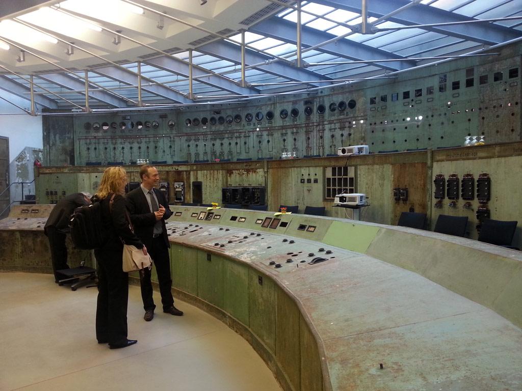 Terrific In Building Seminar At Berlins Schaltwerk Control Room Ibwave Largest Home Design Picture Inspirations Pitcheantrous